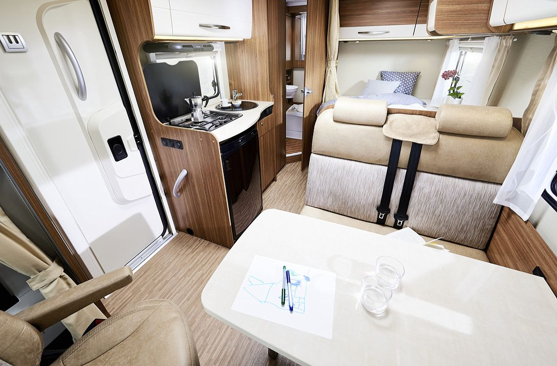 Wilderness Compact for 2 motorhome interior and features