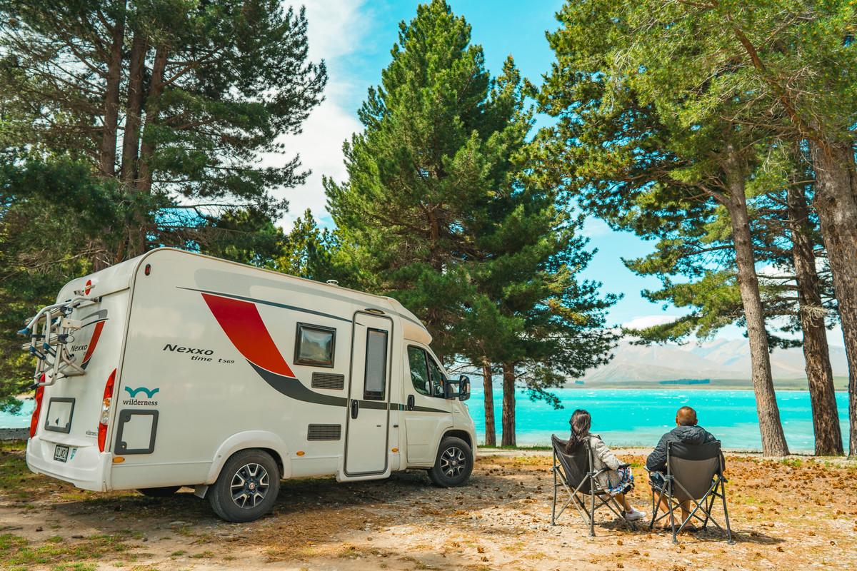 Campervan romance at Lake Tekapo