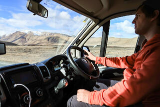 How Easy Is It to Drive a Wilderness Motorhome?
