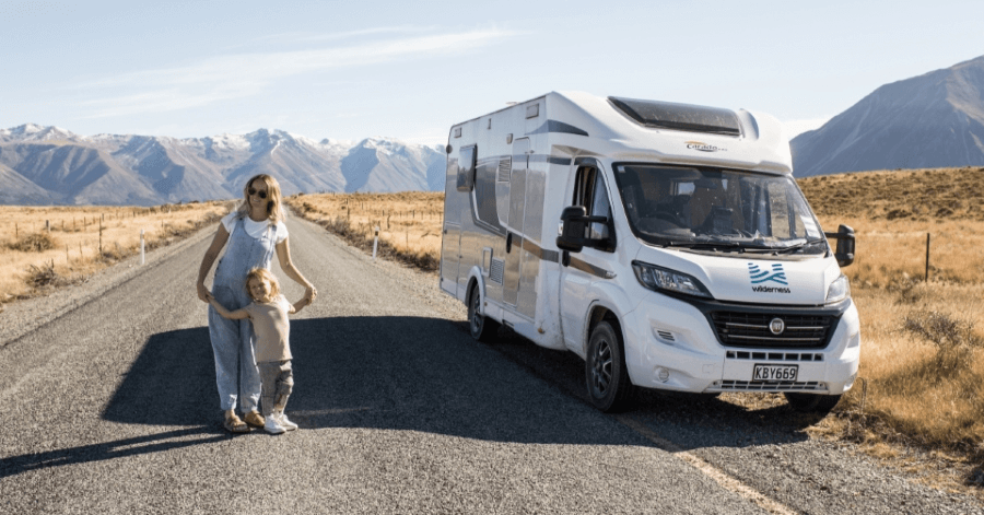 Family on road wilderness motorhomes 900px