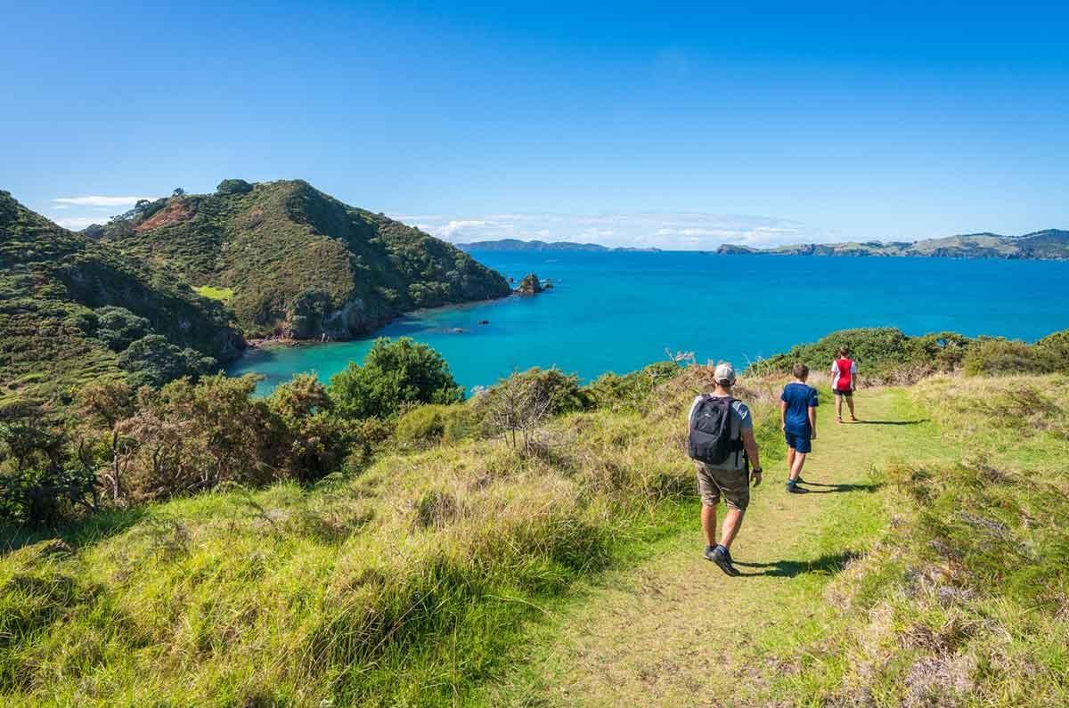 Hiking-summer-at-Mahinepua