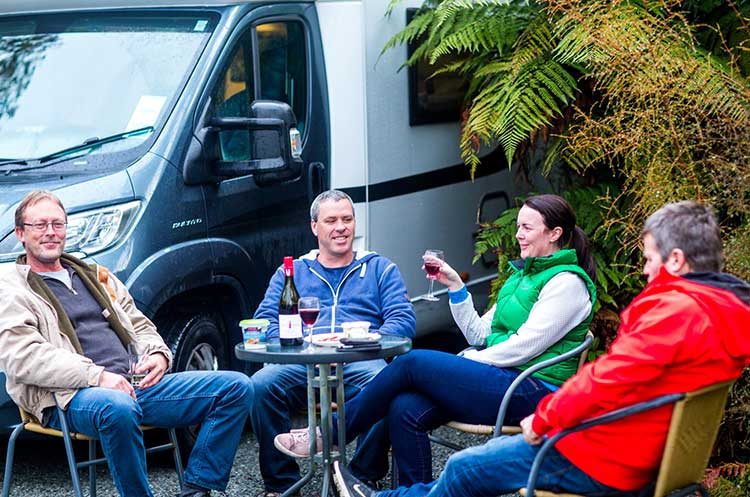 motorhome-travel-eat-and-drink