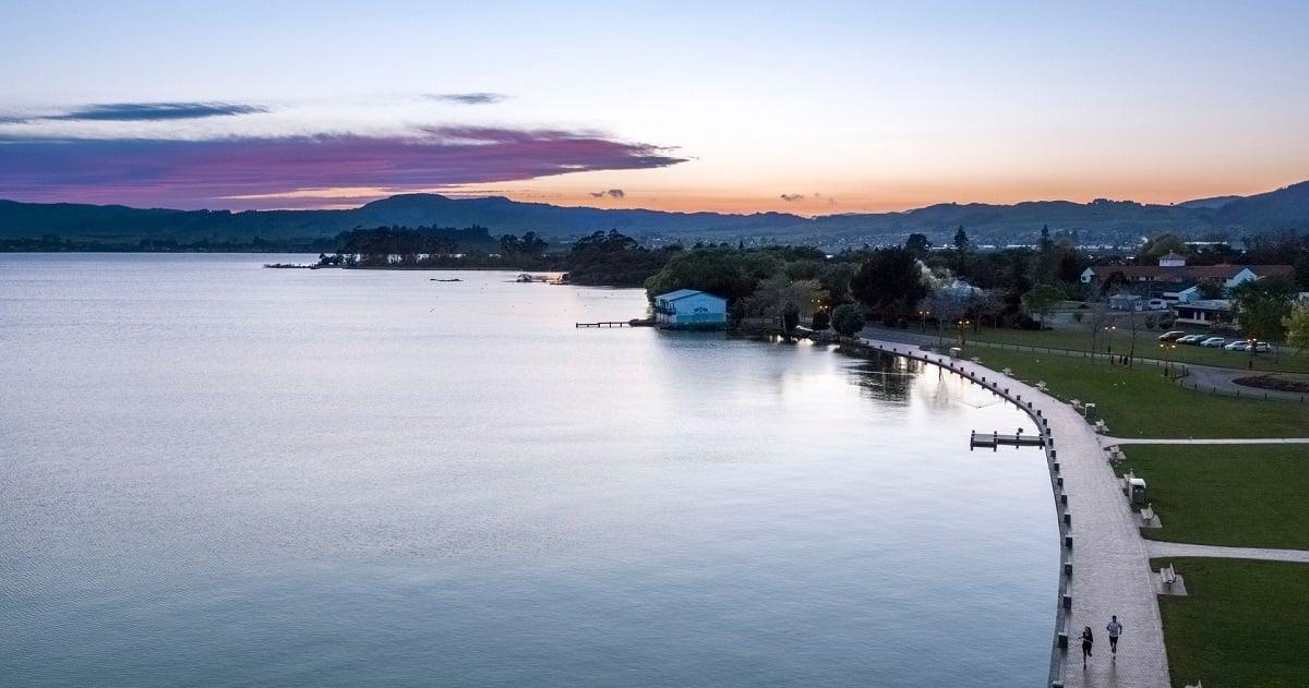 Lake-Rotorua-Julian-Apse