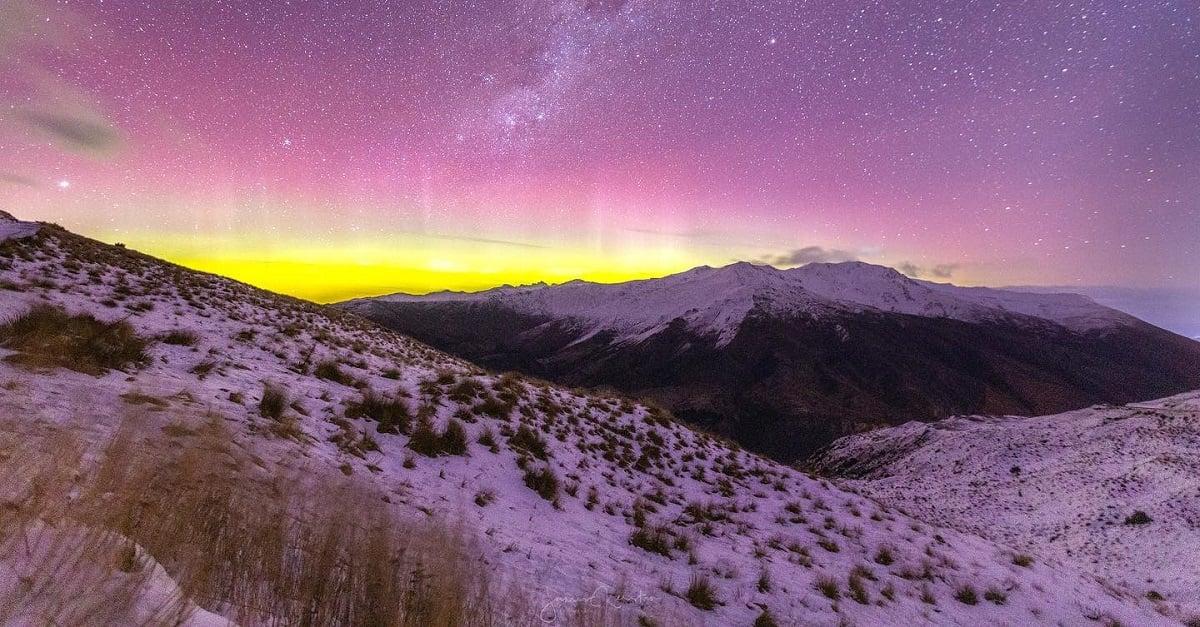 Crown Range Aurora
