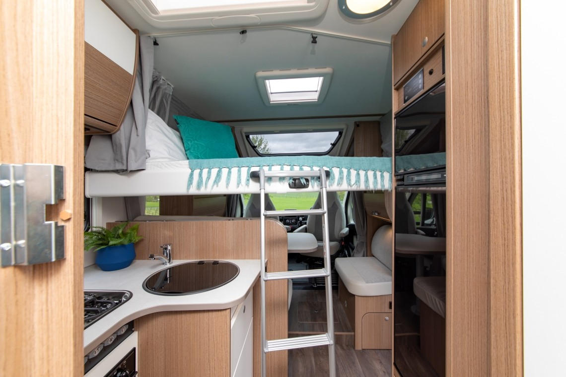 Twin/King for 4 - kitchen and fold down additional bed