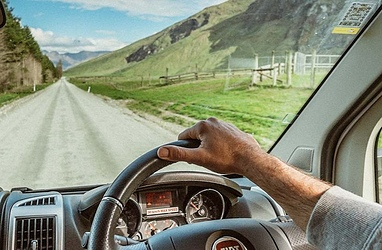 Guide to Safe Motorhome Driving in New Zealand