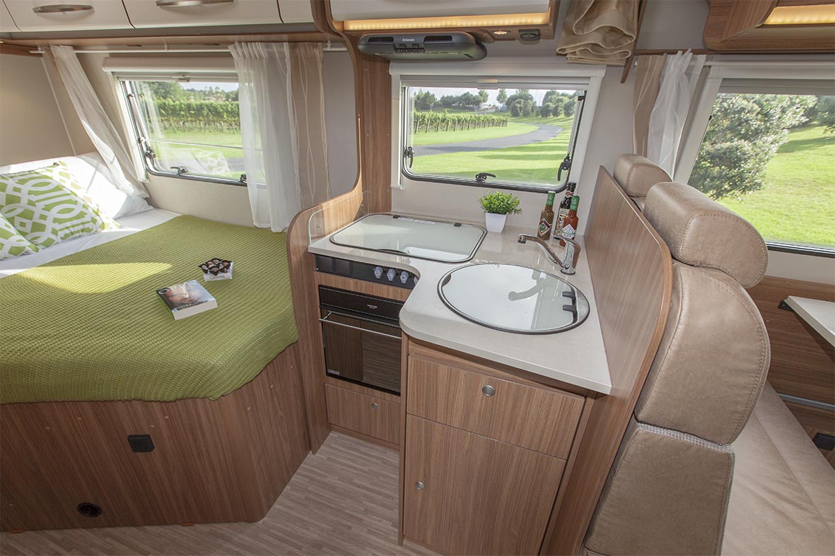 Compact  4 berth - Kitchen