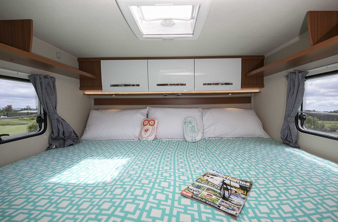 Twin/King for 4 with king bed configuration