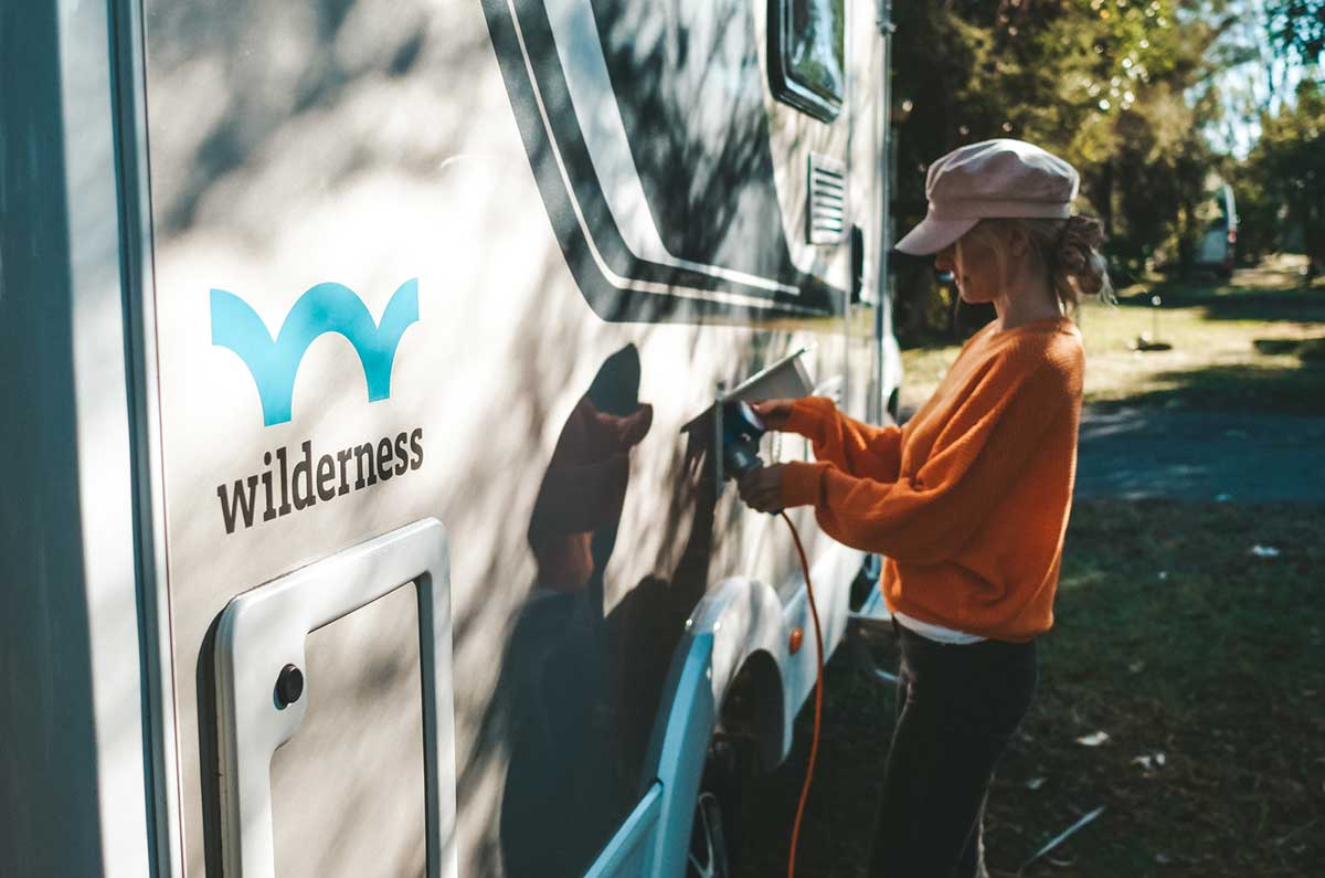 Connecting-your-motorhome-to-mains-power