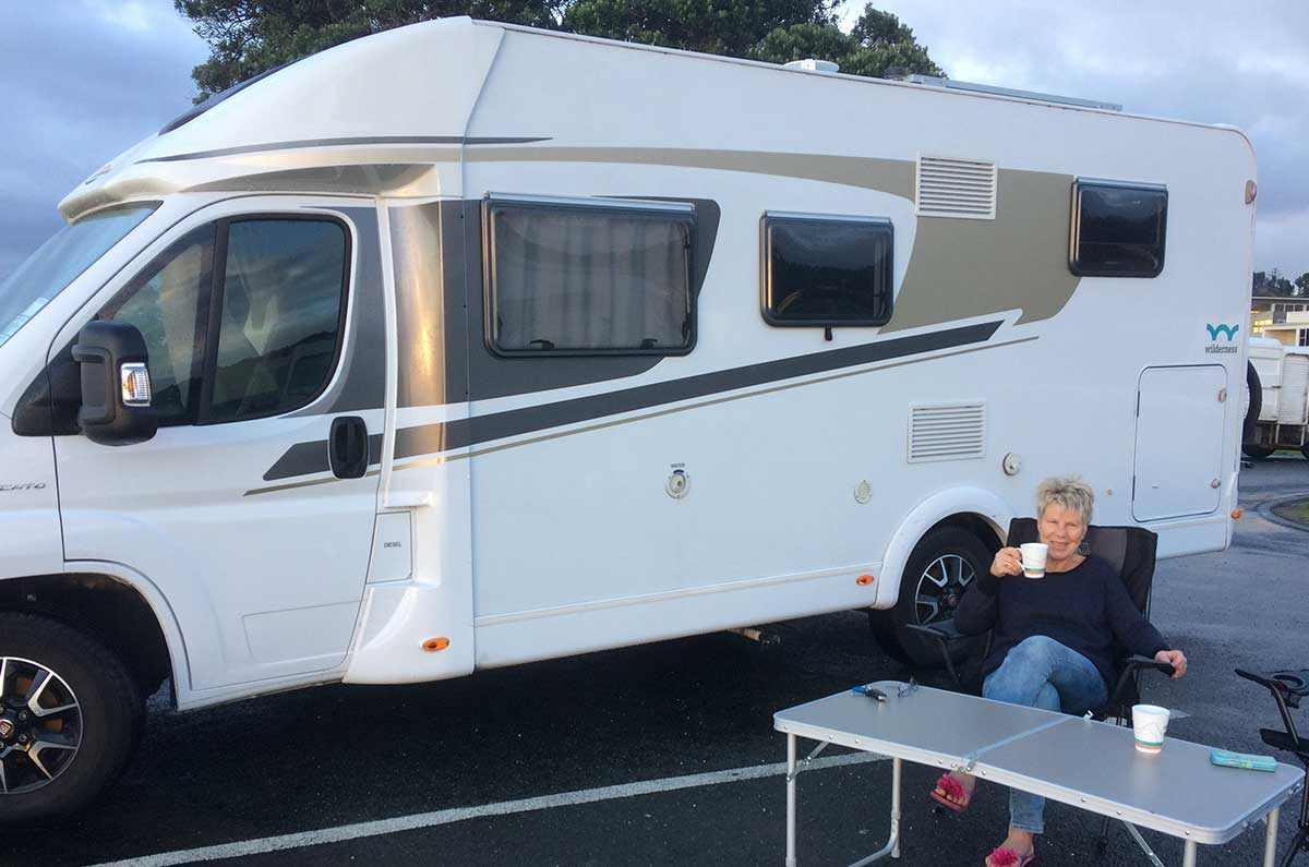 Reservation-representative-Frances-travelling-in-a-Wilderness-Motorhome