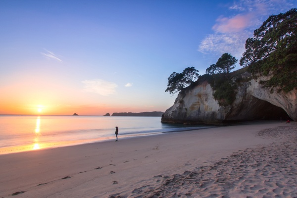 Rach Stewart Cathedral Cove