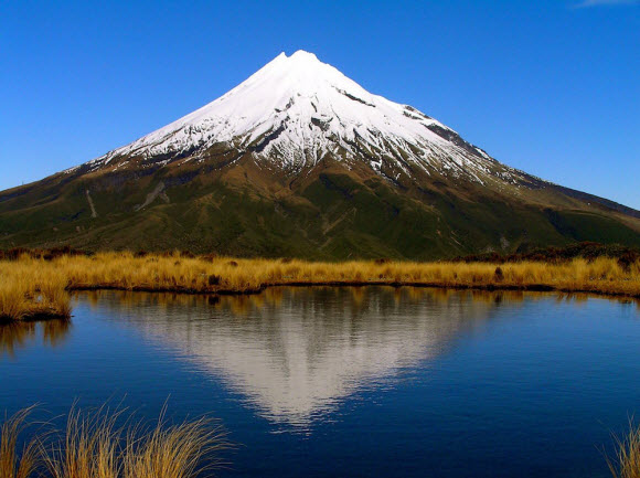 Include Mount Taranaki on your NZ movie location road trip